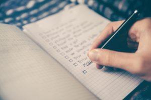 Read more about the article Être prêt(e) pour son premier client : les documents et formalités obligatoires
